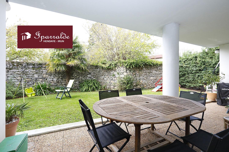 Venez acheter sur Hendaye (64) ce sublime Rez-de Jardin avec Terrasse...