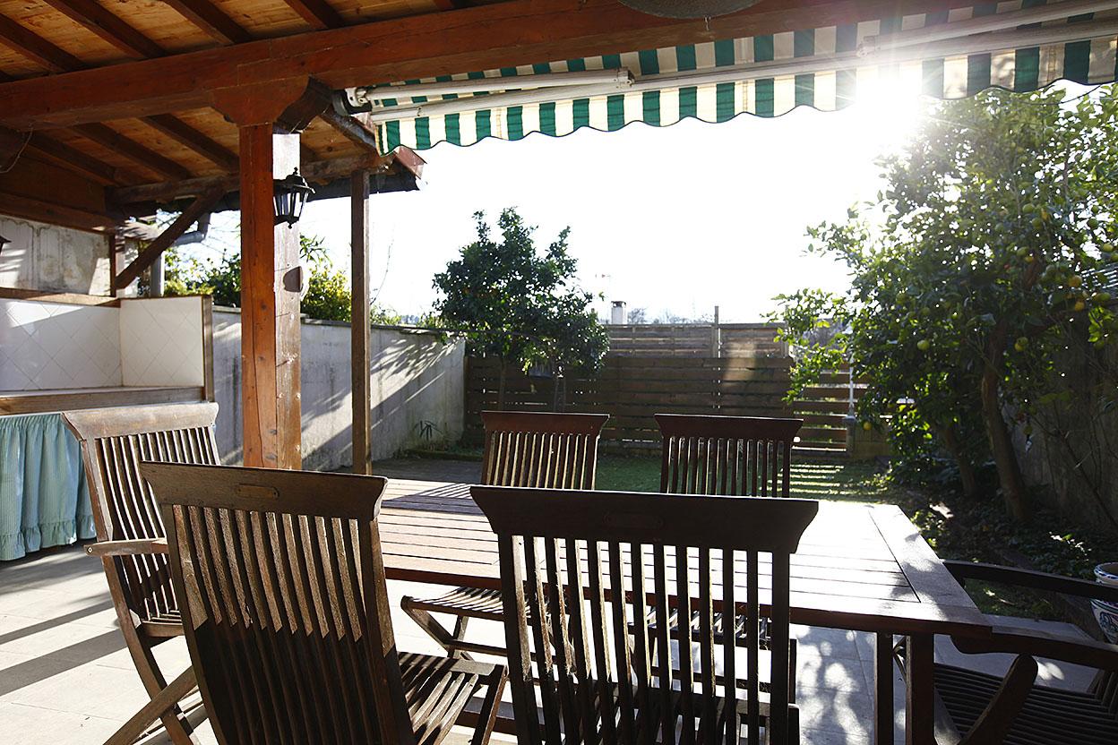 Vente de jolie maisonnette à Hendaye, dans résidence sécurisée avec piscine communautaire. Proche de la plage.