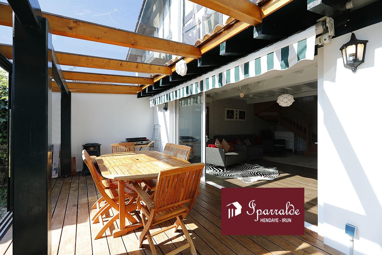 Dans résidence sécurisée à Hendaye (64) maisonnette de 91m2 avec jardin privatif et place de parking
