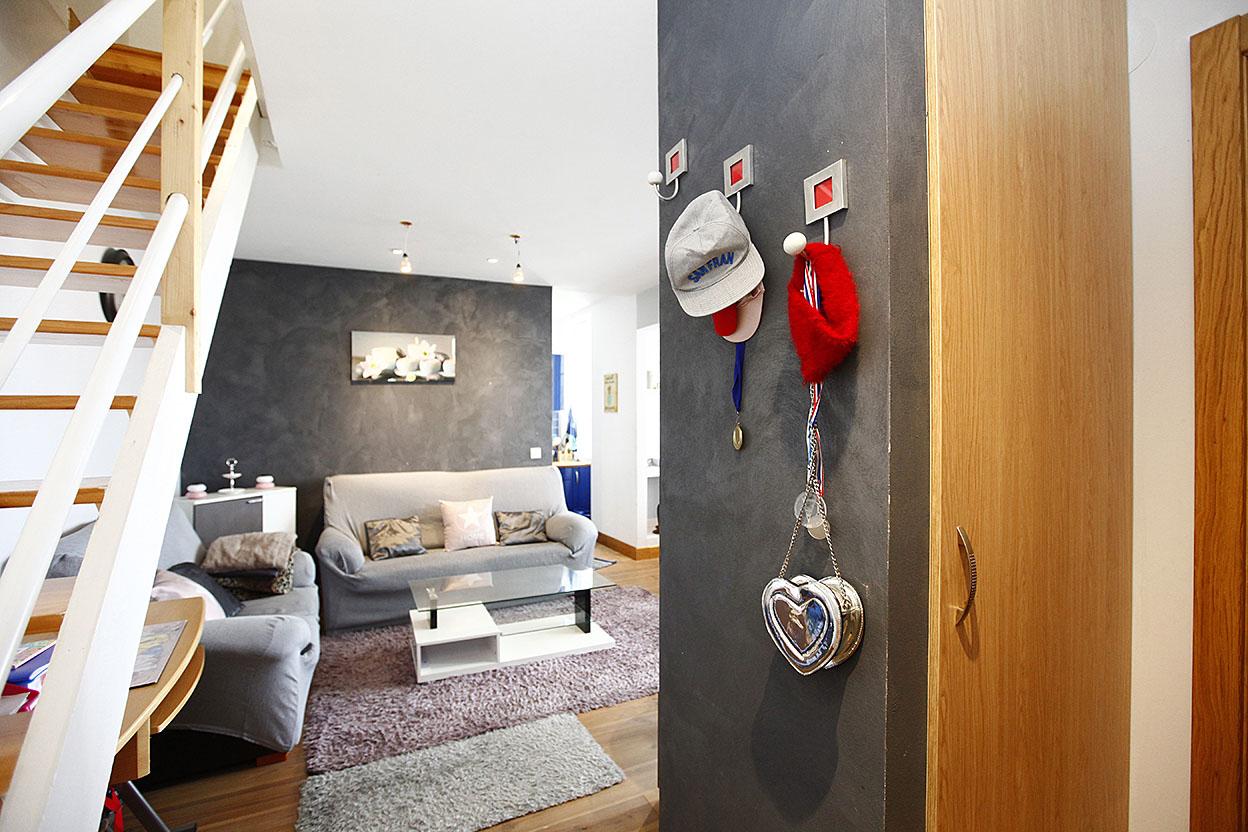 Vente d' appartement de type T3 refait à neuf au centre-ville d' Hen...