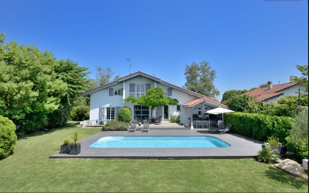 Splendide maison individuelle T6, proche de la plage avec jardin plat...