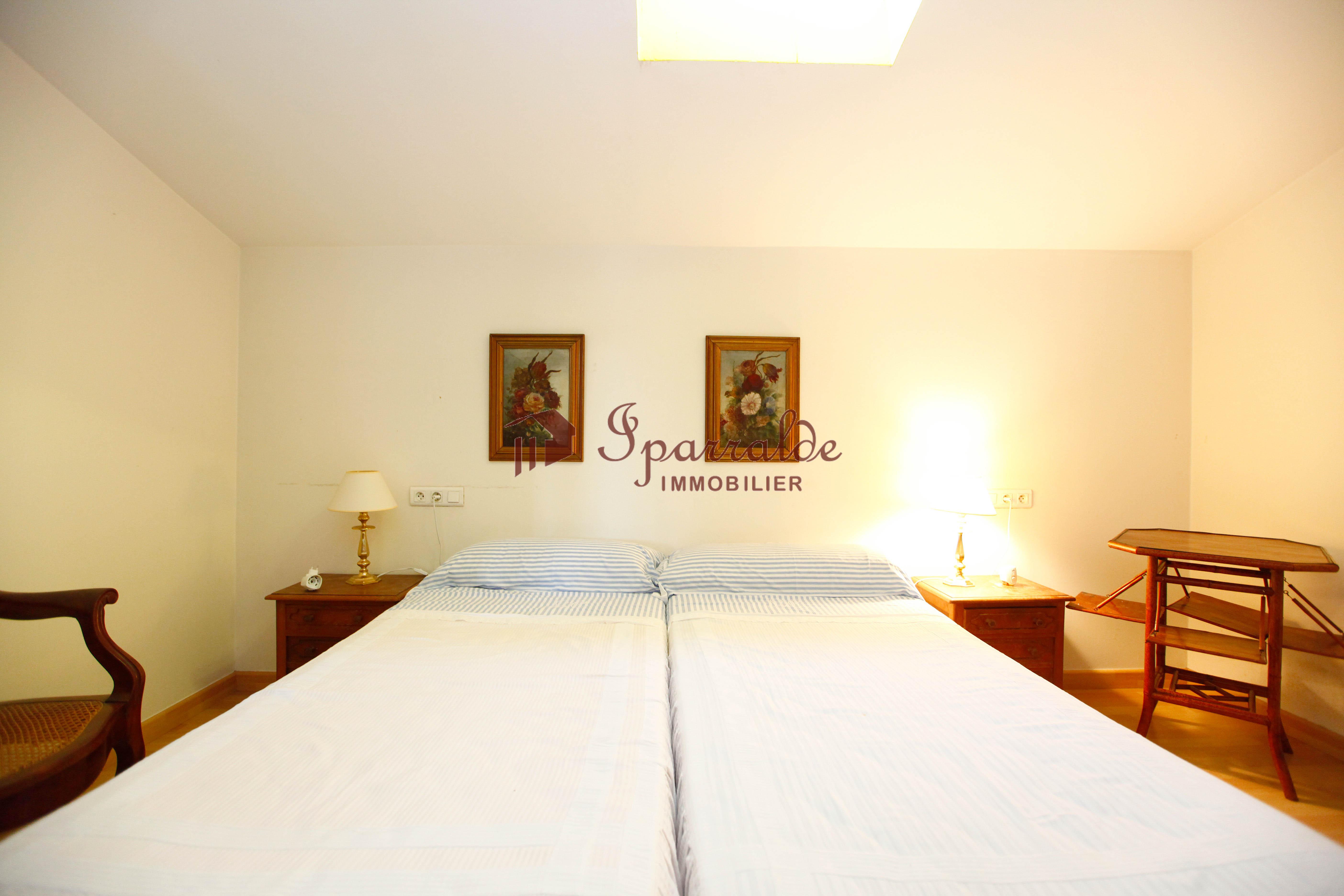 Merveilleux appartement de 100 m2 en duplex avec des vues imprenables.