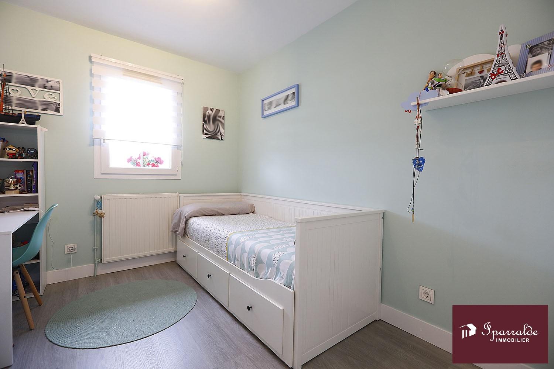 À Hendaye, maison Vue Baie, à acheter avec 4 pièces avec IPARRALDE IMMOBILIER