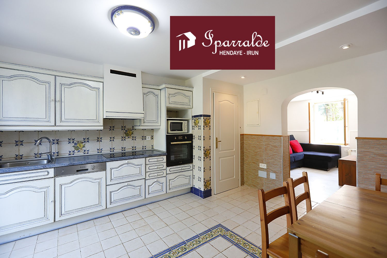 Joli appartement T2 traversant de 41,69 m2  plus une belle Terrasse à acheter à Hendaye (64)