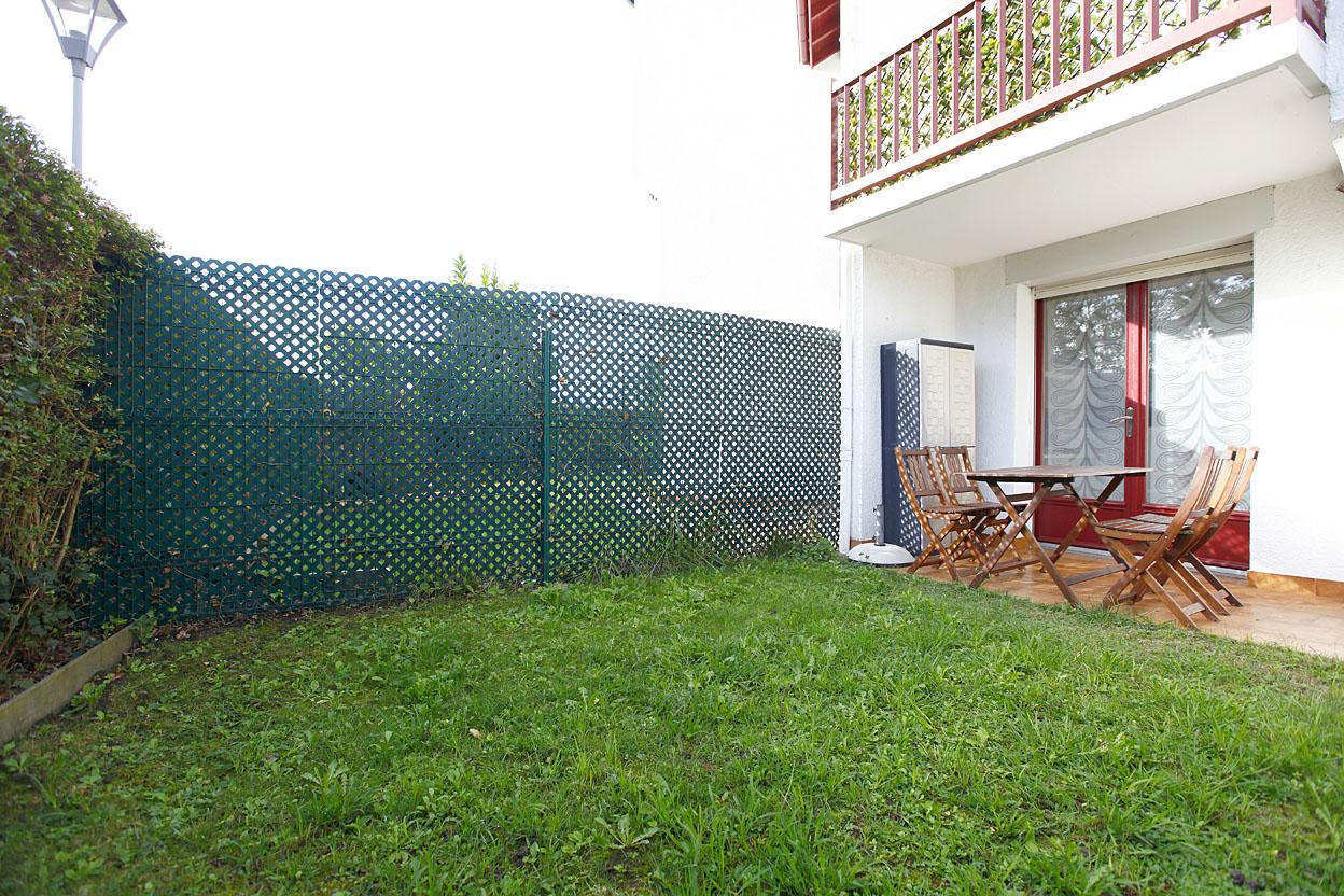 Vente de studio avec jardin et parking a deux pas de la Plage