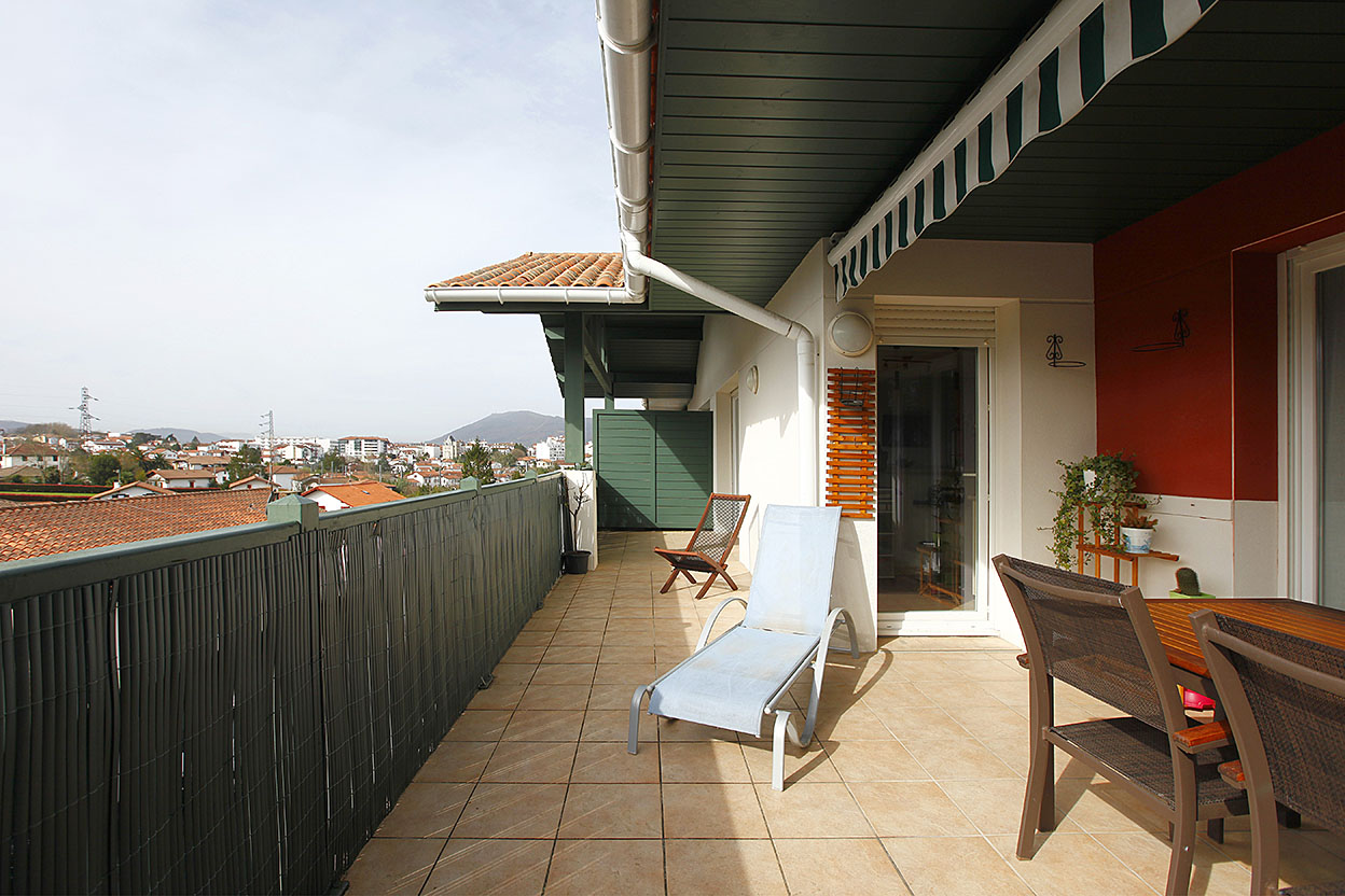 En vente à Hendaye, appartement de type T3 avec 2 places de stationn...