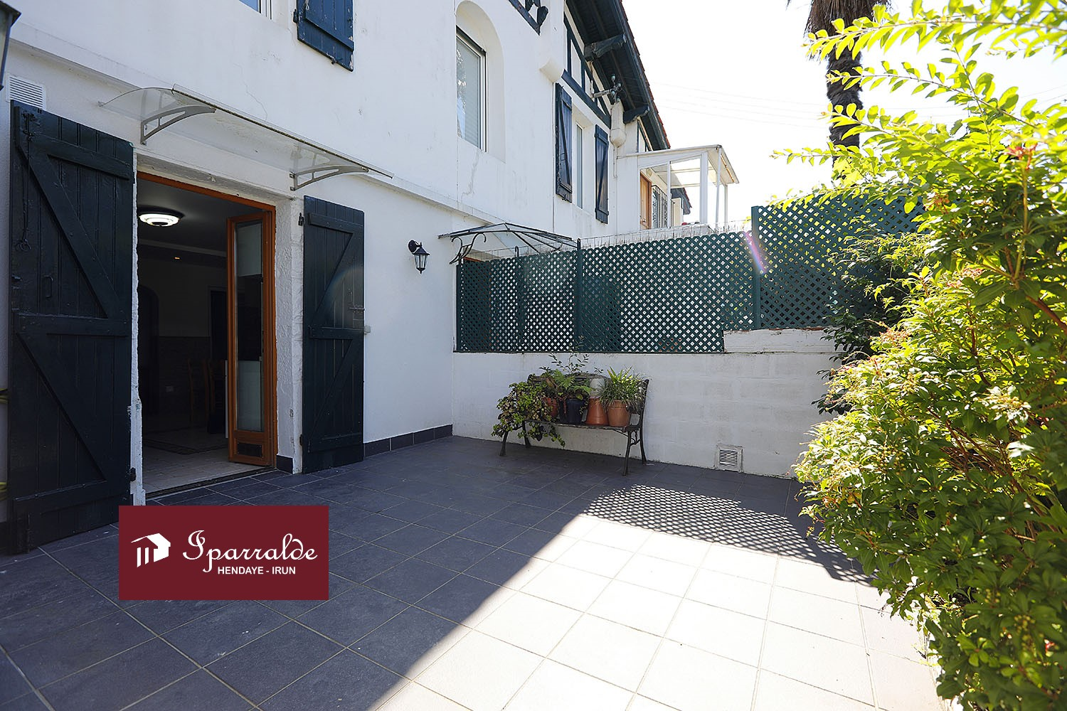 Joli appartement T2 traversant de 41,69 m2  plus une belle Terrasse �...