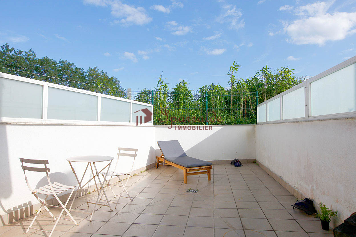 Beau T3 avec terrasse de 15 m2.