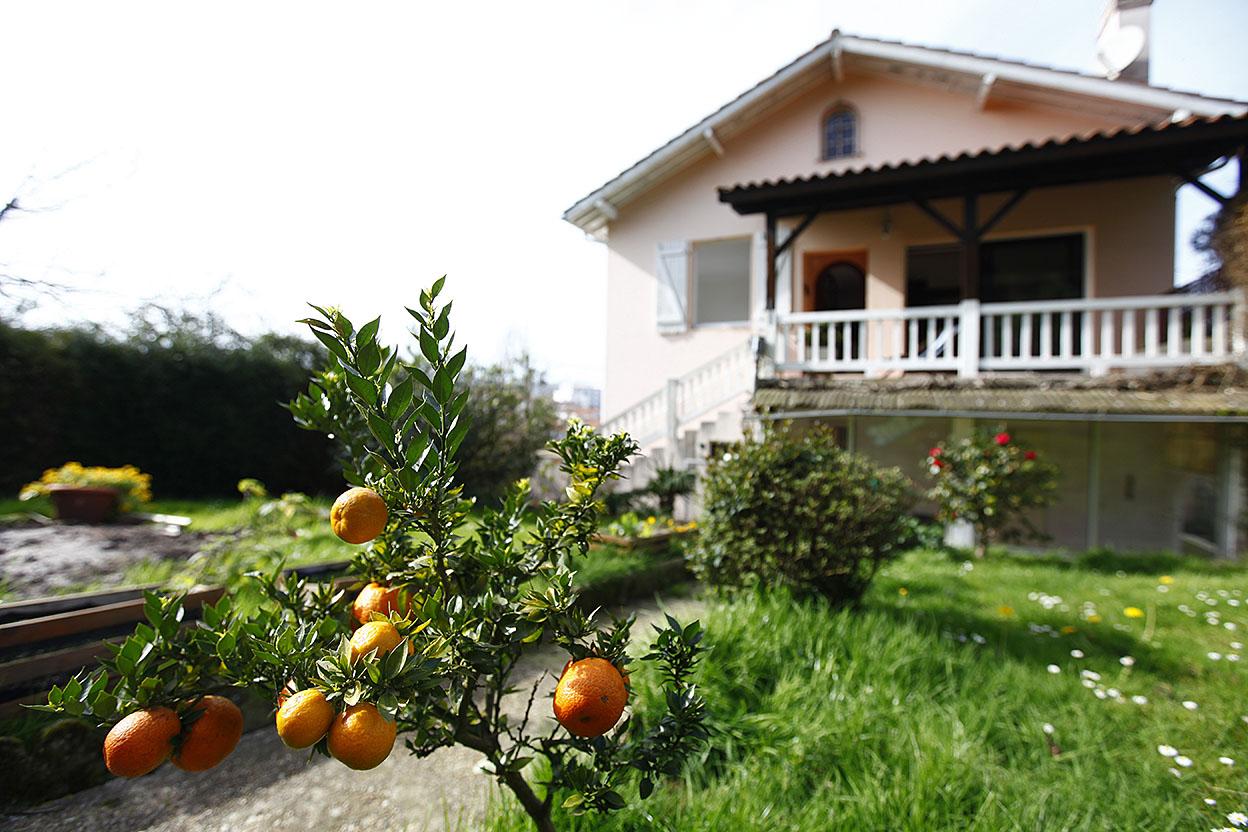 Villa proche du centre ville et de la Baie de Hendaye ,de 232m2 avec fort potentiel