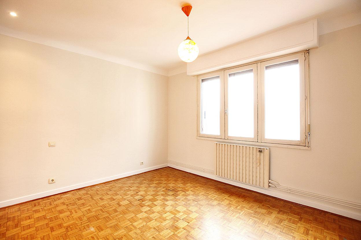 Vente d'appartement à Hendaye, beaux volumes pour cet appartement de type T4 proche de toutes commodités.