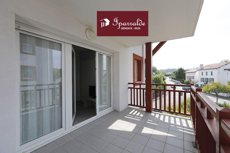 Achetez à Hendaye (64700) ce joli T2 avec Terrasse, parking au sous-...