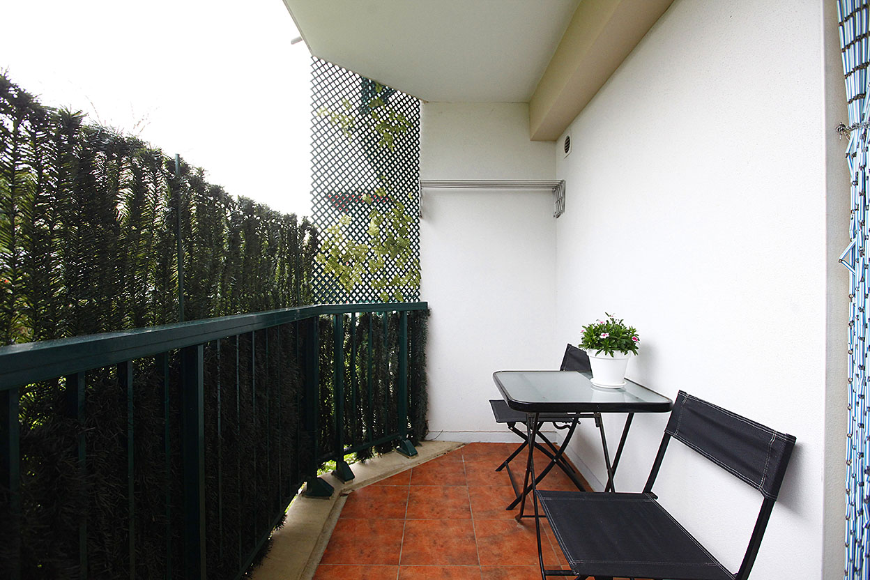 En vente joli T3 dans résidence privée avec garage boxé.