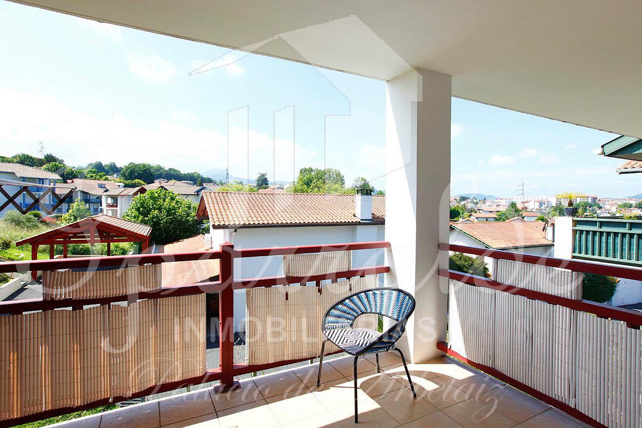 Beau T3 avec terrasse de 25 m2.