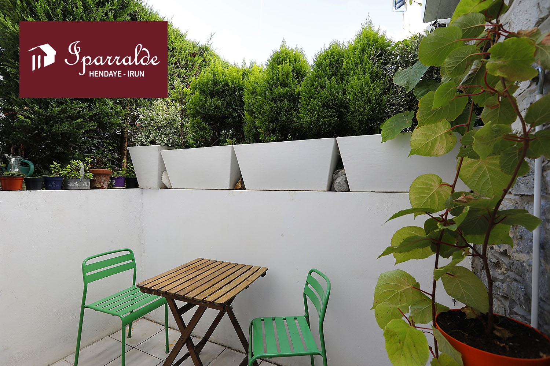 Vente d' appartement à Hendaye, situé proche commerces, T1 BIS de 31 m² +cave+parking