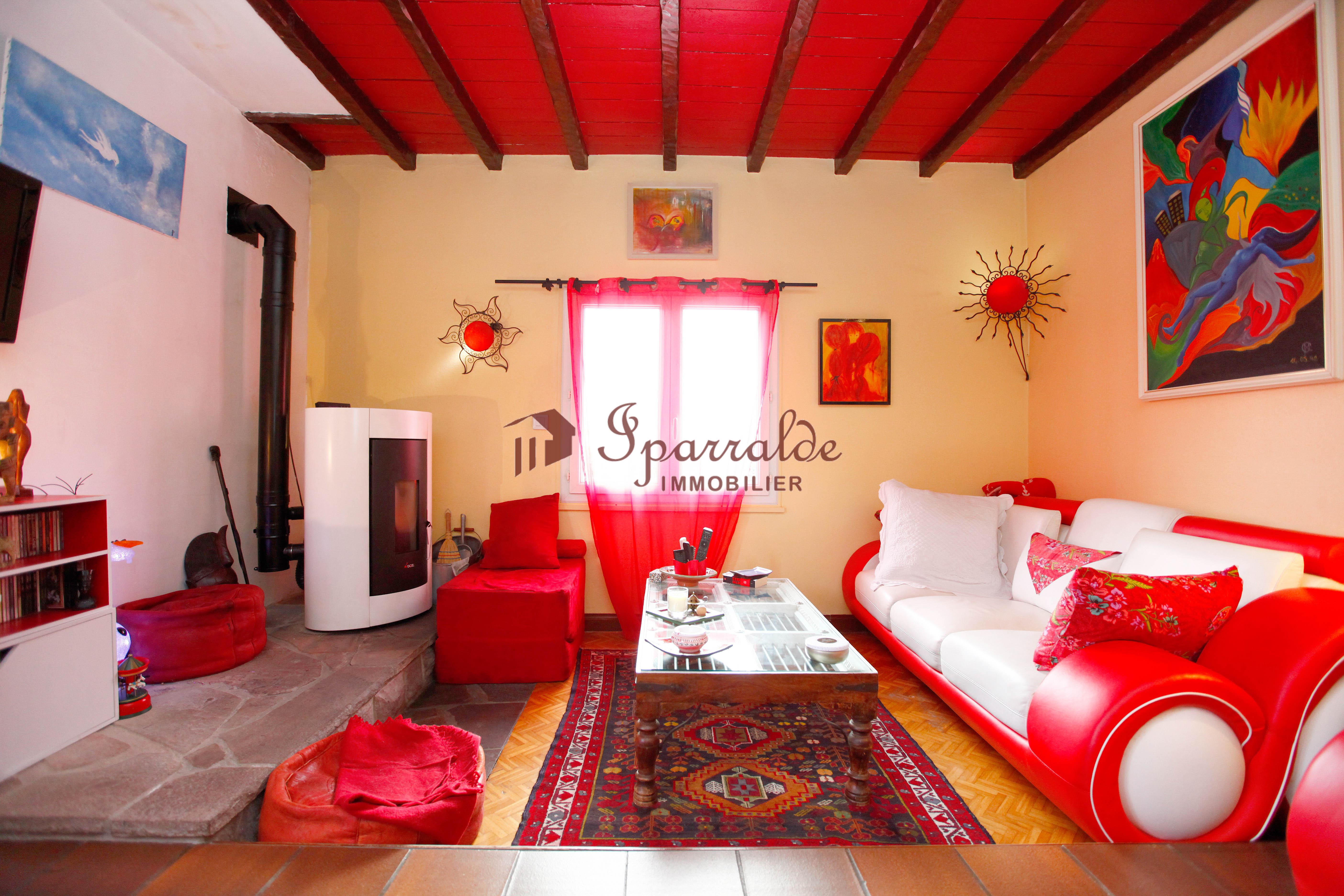 Magnifique maison individuelle située  à 10 minutes de la Plage.