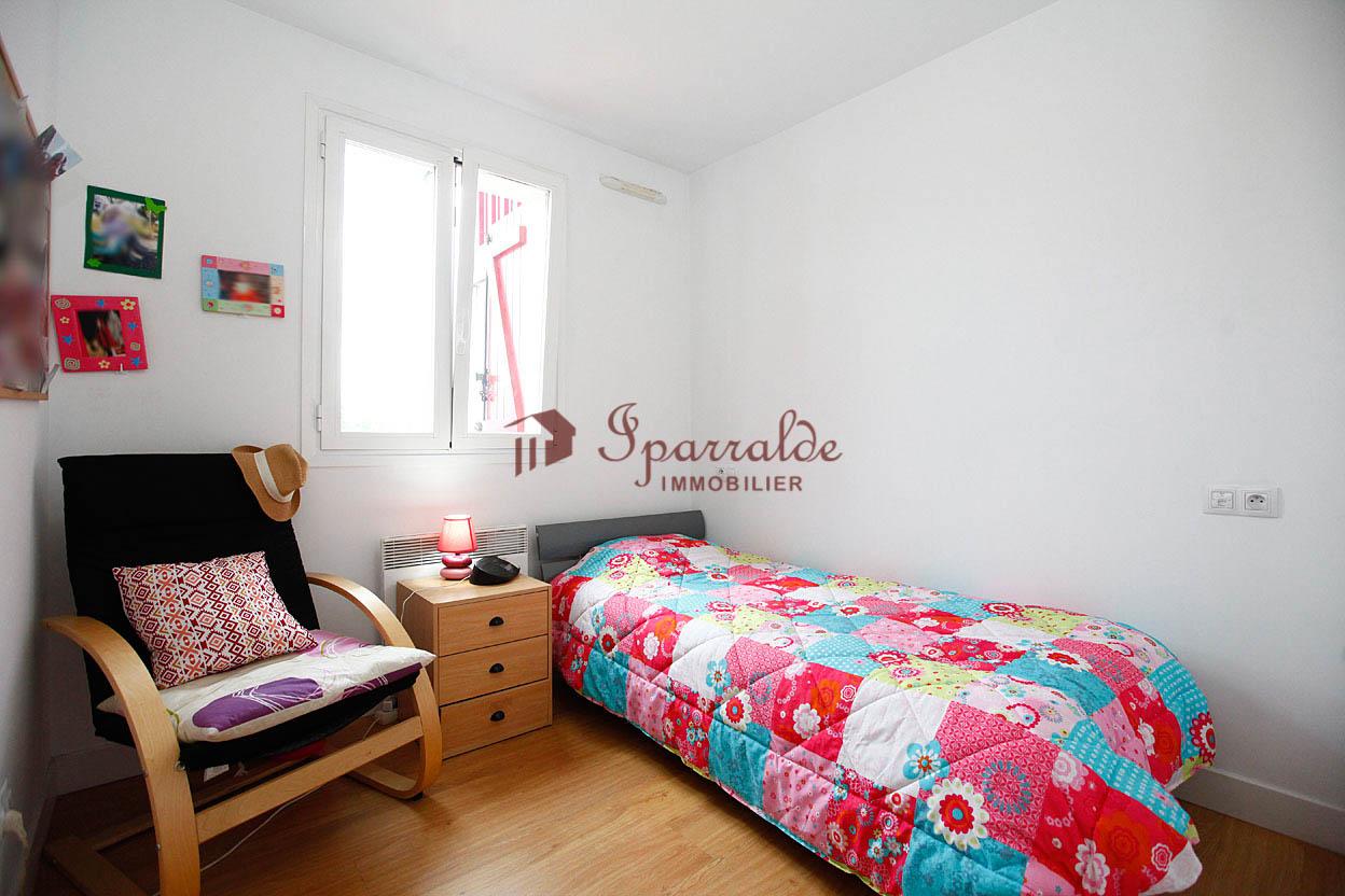 Hendaye, Proche commerces, appartement T1 BIS de 31 m² idéal pour investissement locatif.