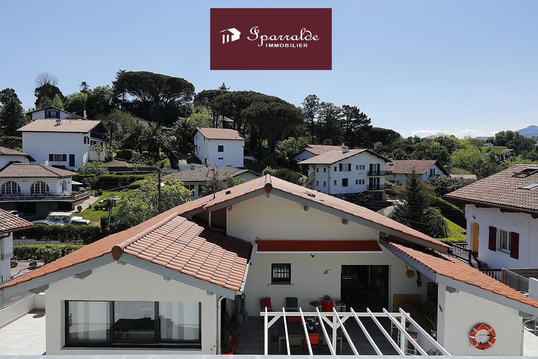 Superbe Maison Individuelle de Prestige à quelques pas de la Baie, belles vues.