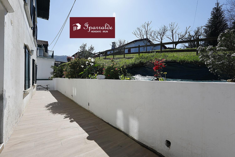 T4 avec Jardin dans MAISON style Basque à Biriatou.