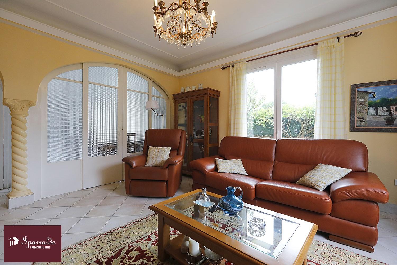 Appartement type T4 en RDC d'une maison située à 15 minutes à pied de la Plage d´Hendaye (64)