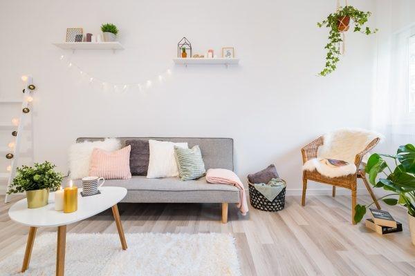 Quelles astuces petits prix pour relooker un appartement?